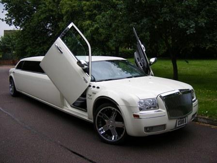 chrysler limousine hire chrysler limo hire london service. Black Bedroom Furniture Sets. Home Design Ideas