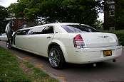 Limo Chrysler White 2
