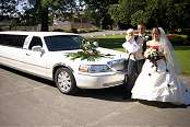 White Lincoln Limo - Image 4